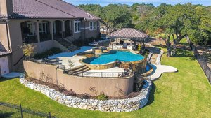 Residential Gunite Pools #008 by Pools Unlimited Inc