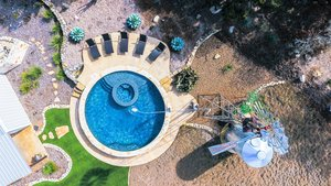 Residential Gunite Pools #019 by Pools Unlimited Inc
